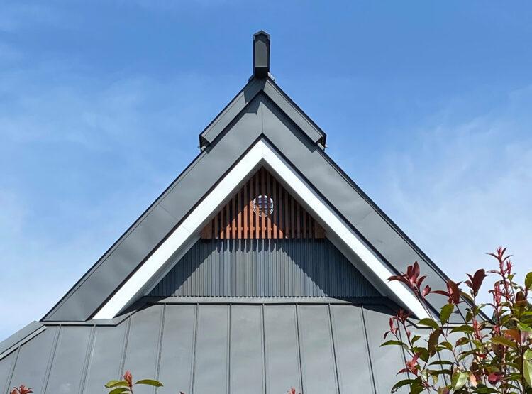 智頭町 茅葺屋根の改修工事完成